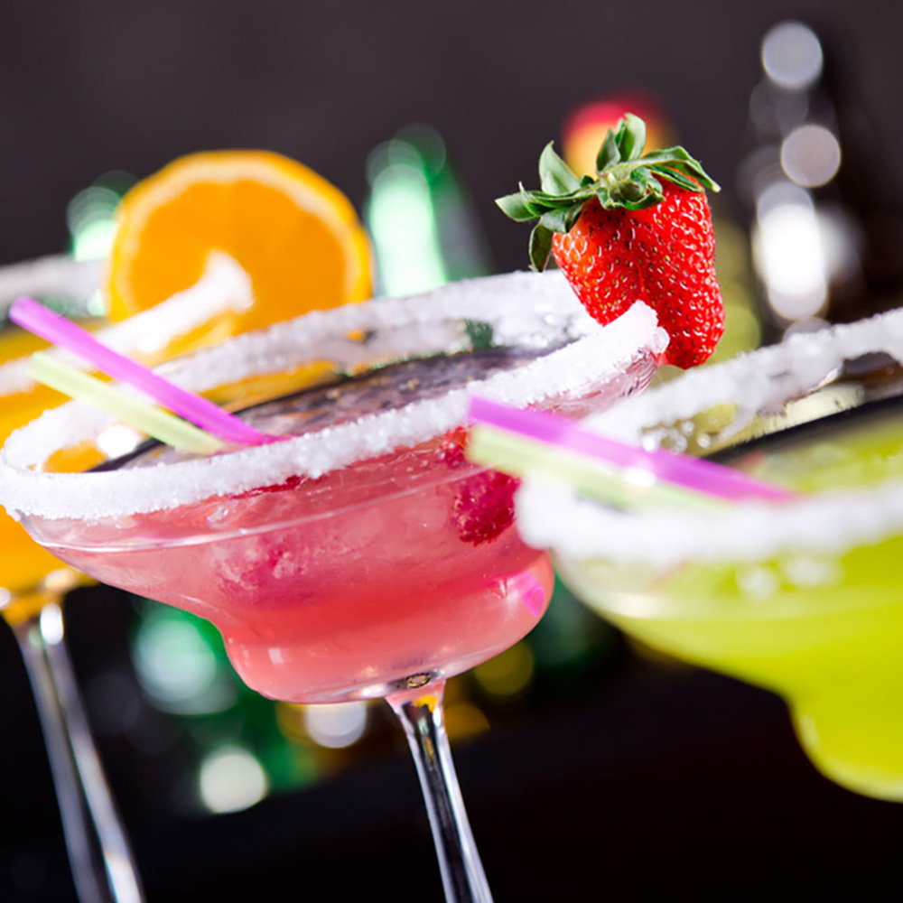 Cocktail um 15:00 Uhr mit Traumfrau